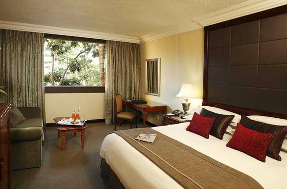 Luxury Family Rooms at the Cascades Hotel in Sun City Resort.